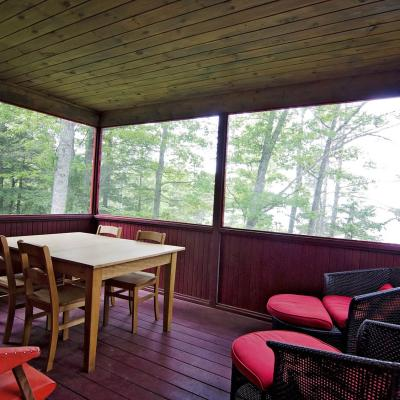 Cabin 1 sunroom